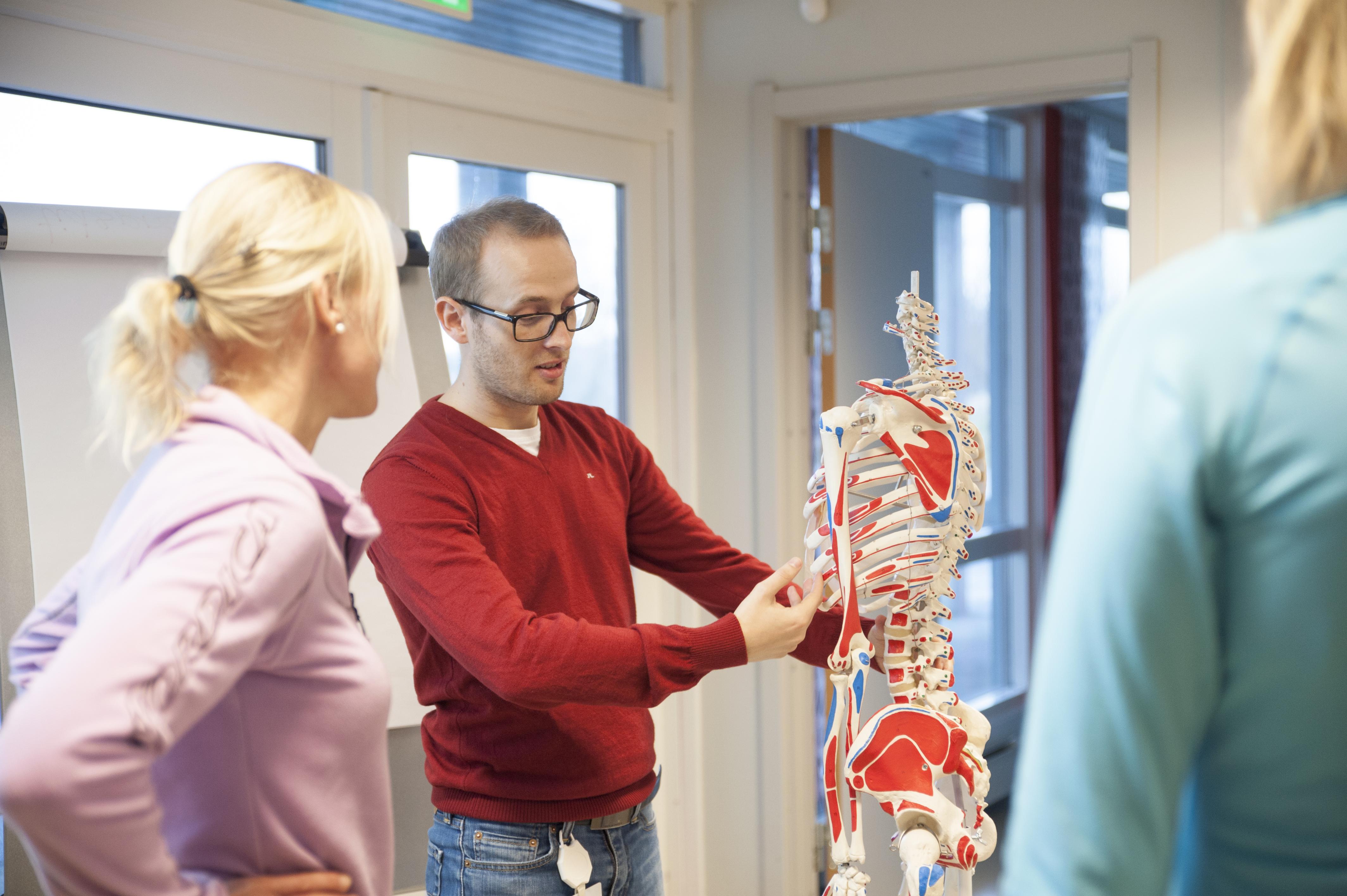 avdeling for fysikalsk medisin og rehabilitering